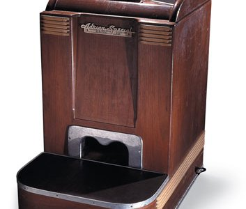 Shoe-fitting fluoroscope, National Museum of American History.