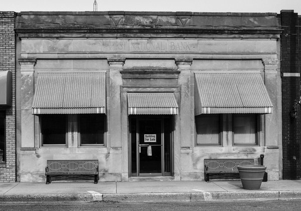 Former First National Bank of Raymond, Illinois thumbnail