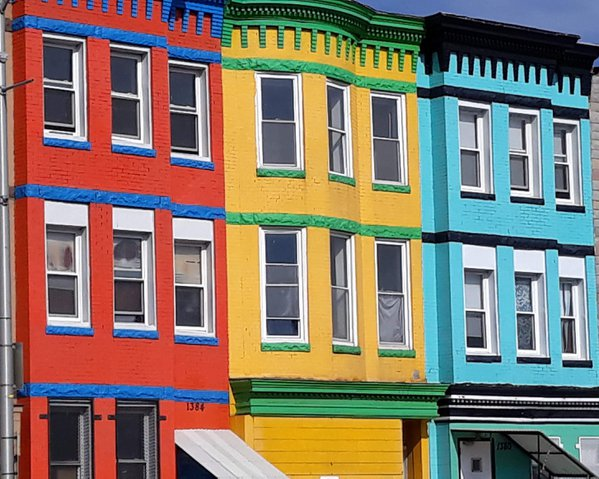 Colorful Homes in the city thumbnail