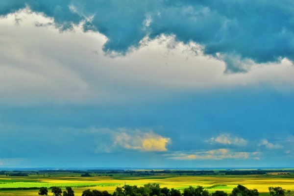 A storm brewing on the North Dakota plains. thumbnail