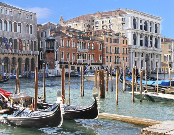 Along The Grand Canal thumbnail