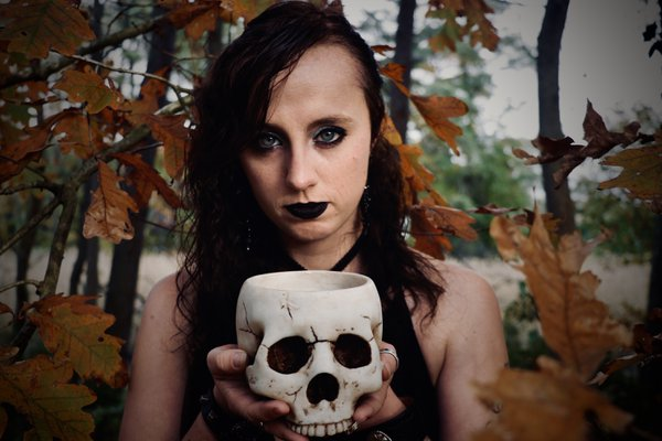 Witch with Skull thumbnail
