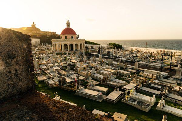 Cementerio Santa María Magdalena de Pazzi Sunset thumbnail