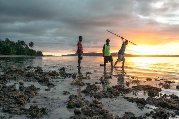 Low Tide Spearfishing thumbnail