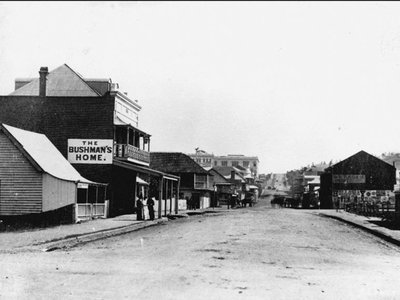 An archival photo of the main street in the Frog's Hollow neighborhood of Brisbane, Australia