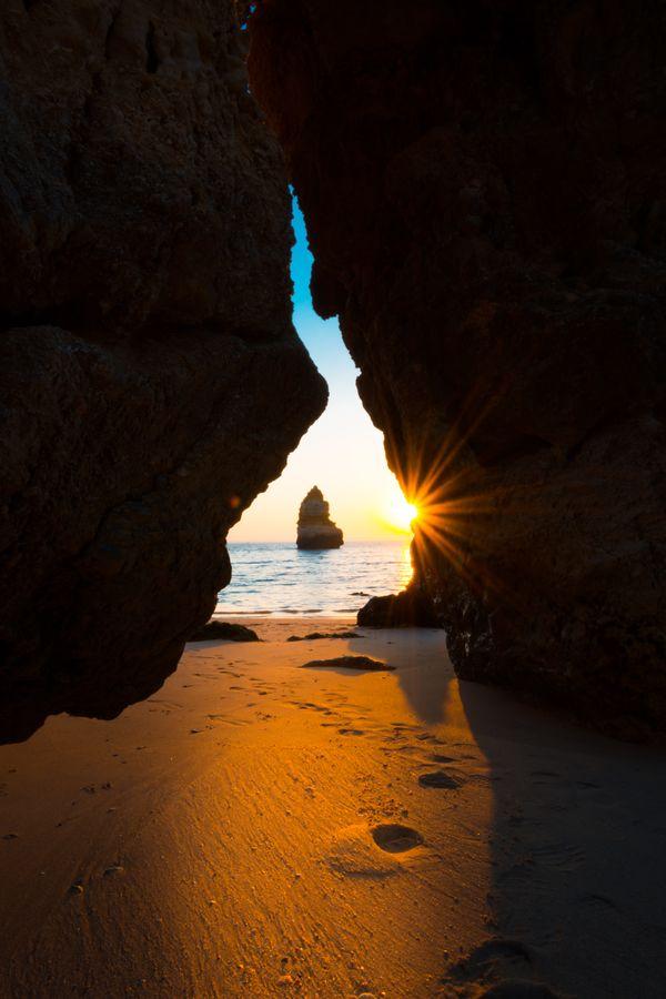 Sunrise at Praia do Camilo thumbnail