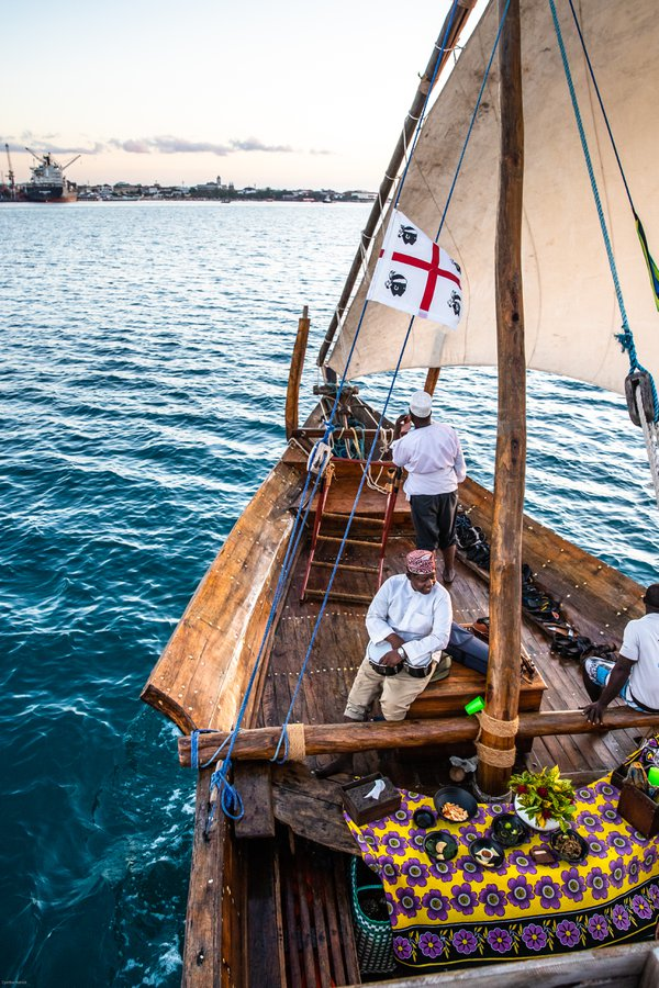 Sailing the Indian Ocean on a Dhow thumbnail