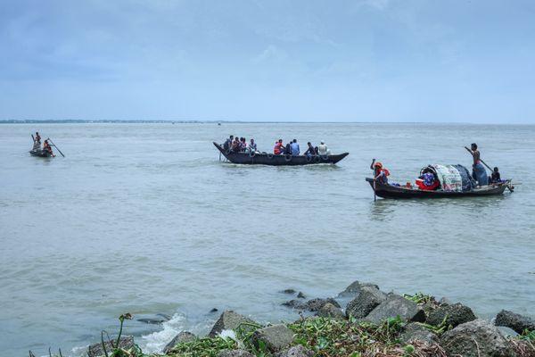 River and boat life thumbnail
