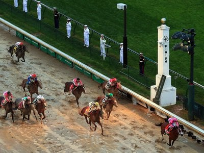 The finish of the 2019 Kentucky Derby.