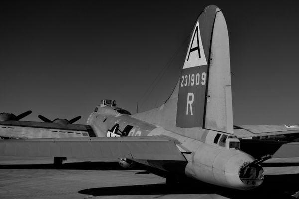 B-17 tail thumbnail