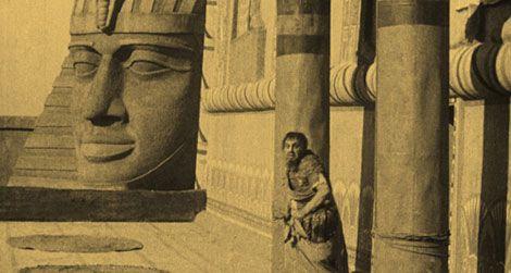 Emil Jannings in Ernst Lubitsch's The Loves of Pharaoh