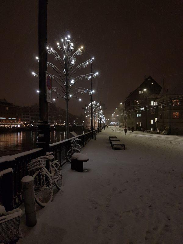First Snow in Zurich thumbnail