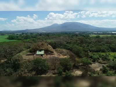Construction of the pyramid, which stood 43 feet tall and roughly 130 feet wide, began within 5 to 30 years of the Tierra Blanca Joven eruption.