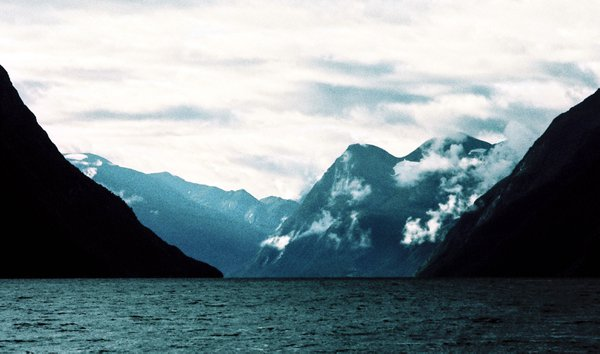 The atmosphere of cruising through the fjords thumbnail