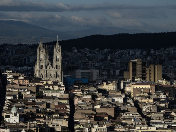 Downtown Quito from a vantage point thumbnail