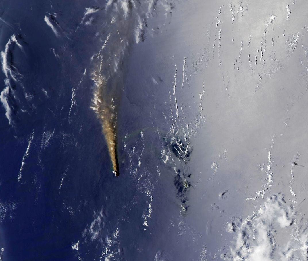 Volcanic Island's Explosive Growth Creates New Land