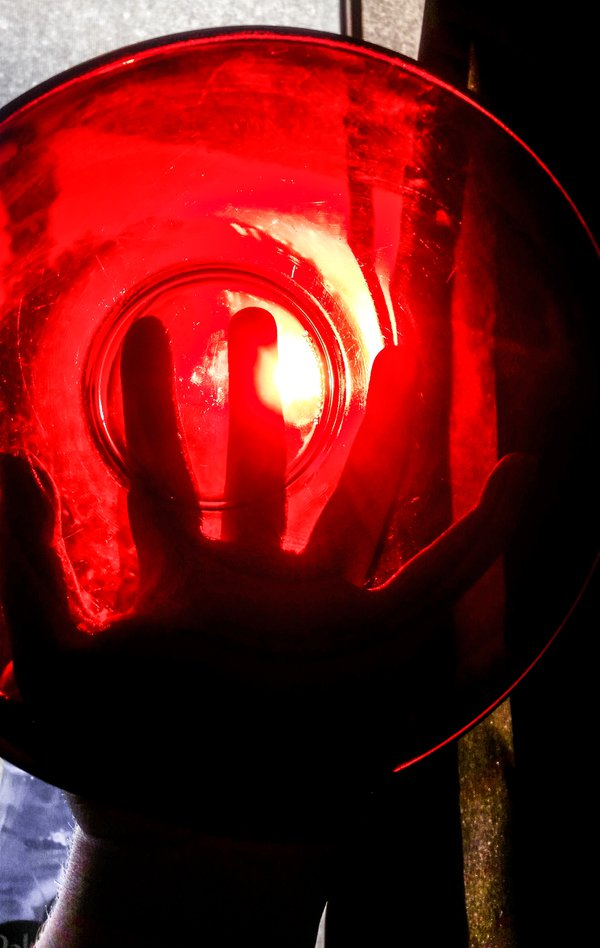 Red bowl red light  thumbnail