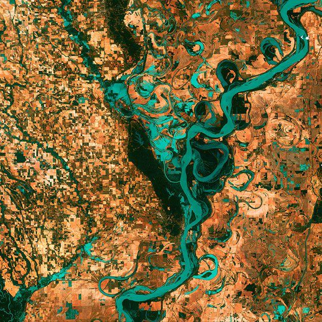 Meandering Mississippi