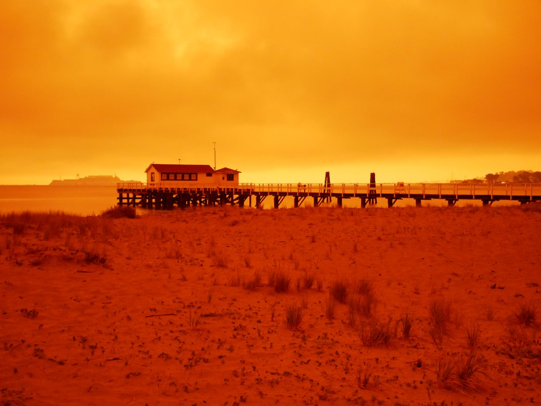 Photographs Capture Eerie Skies That Cloaked the Bay Area in an Orange Glow