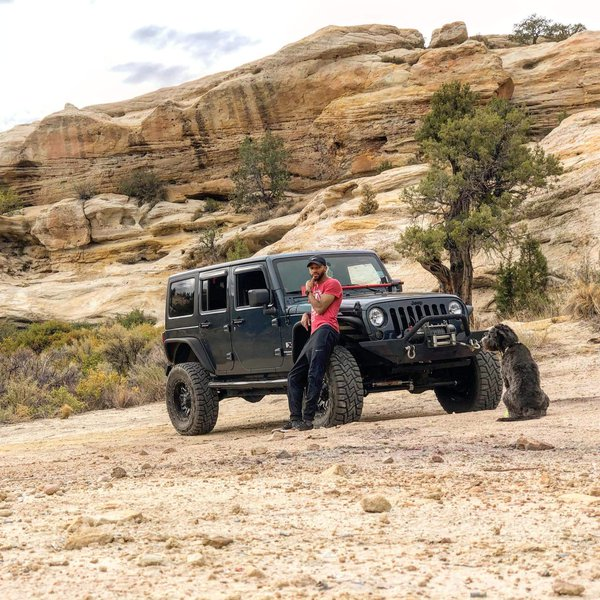 Jeeping in the New Mexico Desert thumbnail
