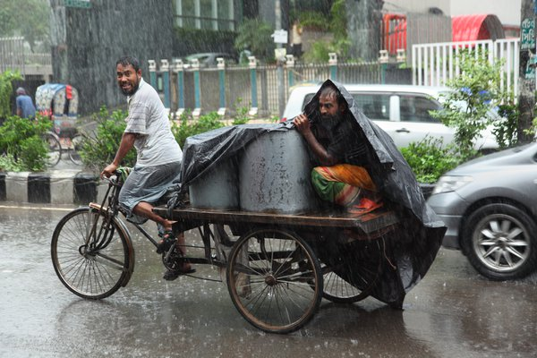 Rain and rickshaw-van thumbnail
