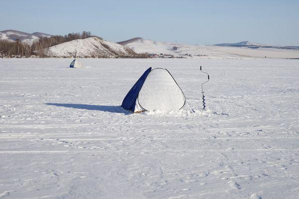 Winter fishing. thumbnail