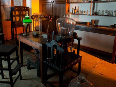 Michael Faraday's book binding shop. (Courtesy of the Royal Institution of Great Britain.)