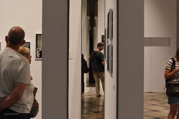 A Museum seen through walls thumbnail