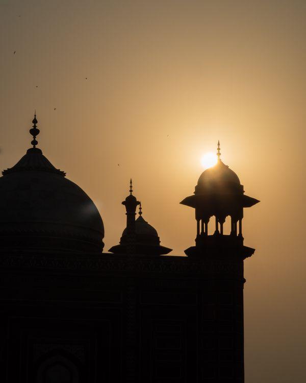 Sunrise at the Taj Mahal thumbnail