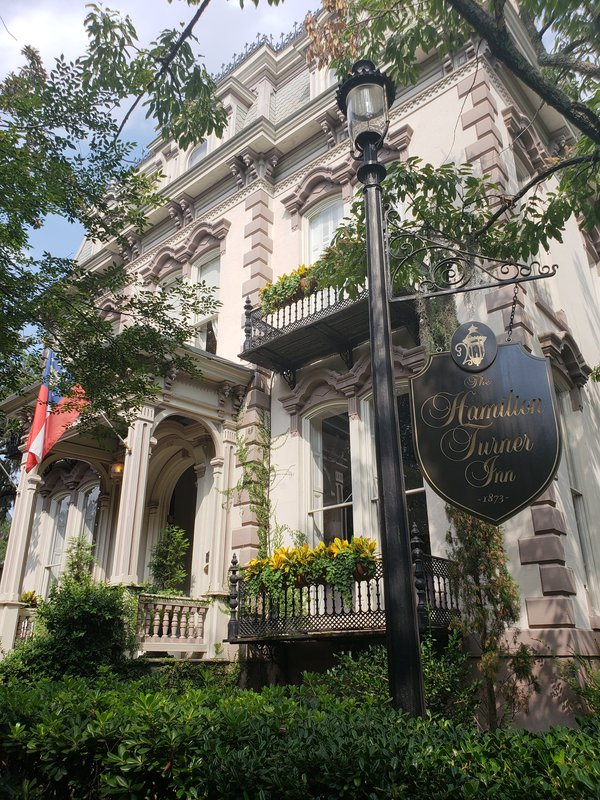 The Hamilton Turner Inn which inspired Disney's Haunted Mansion. thumbnail