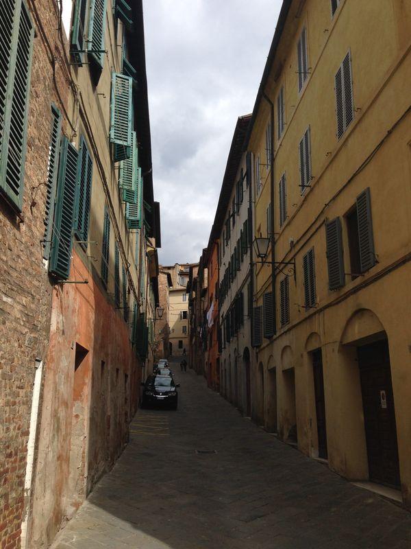 Italian side-street thumbnail