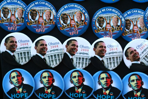 Barack Obama buttons being sold in Chicago on election day, November 4, 2008. thumbnail