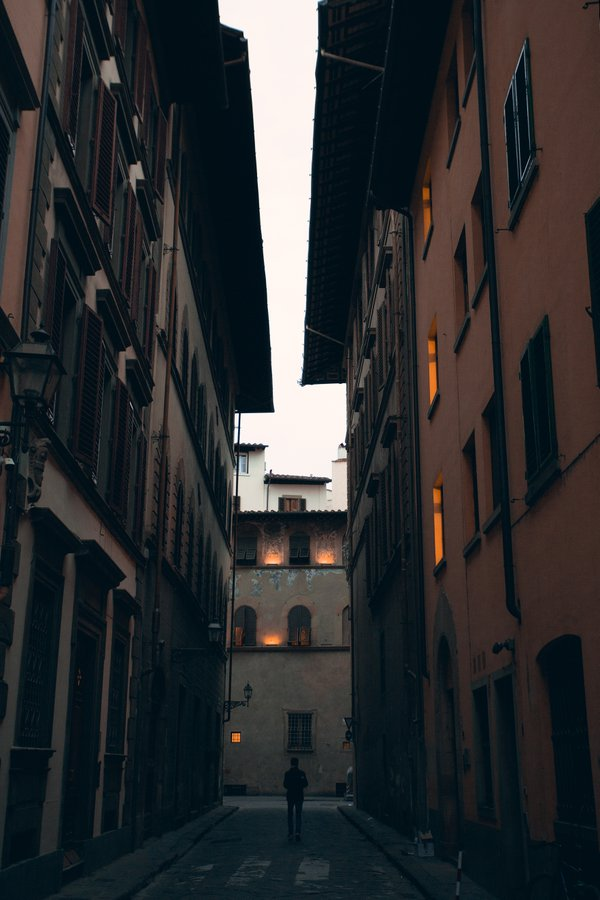 Lonely walk at sunrise in Florence thumbnail