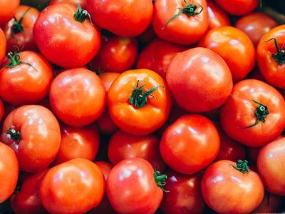 """Super tomatoes"" or regular tomatoes?"