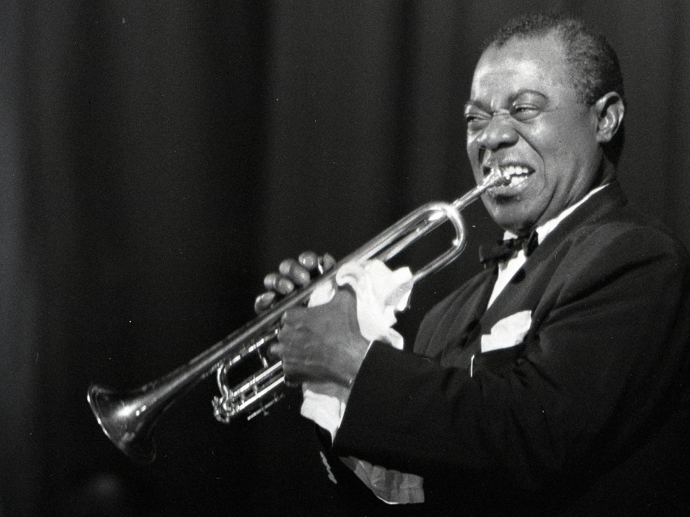 louis armstrong playing
