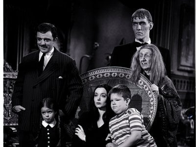 The cast of 'The Addams Family' poses for a publicity shot.