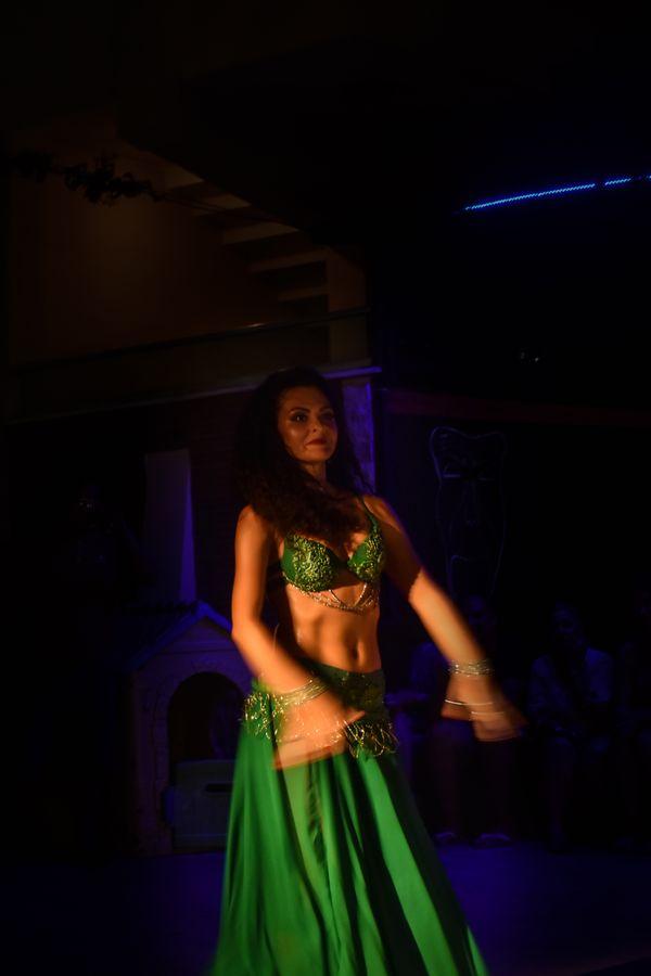 dancer women thumbnail