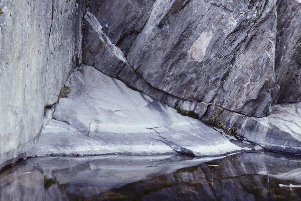 Cliff Wall/Creek thumbnail