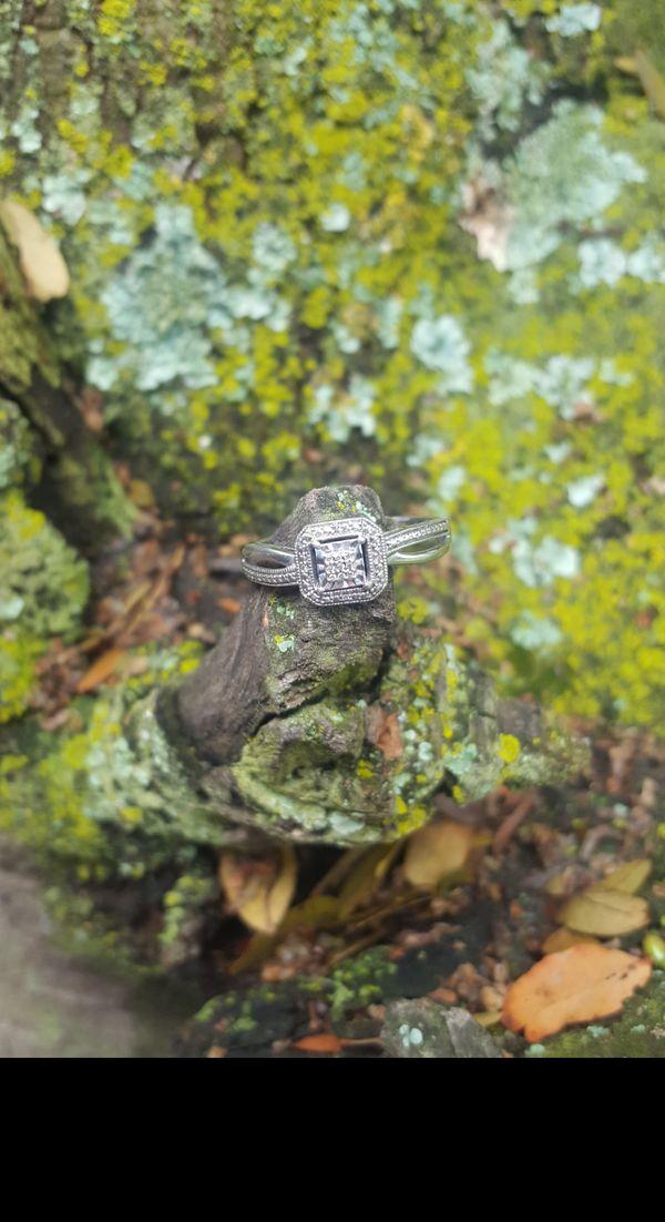 Ring in tree thumbnail