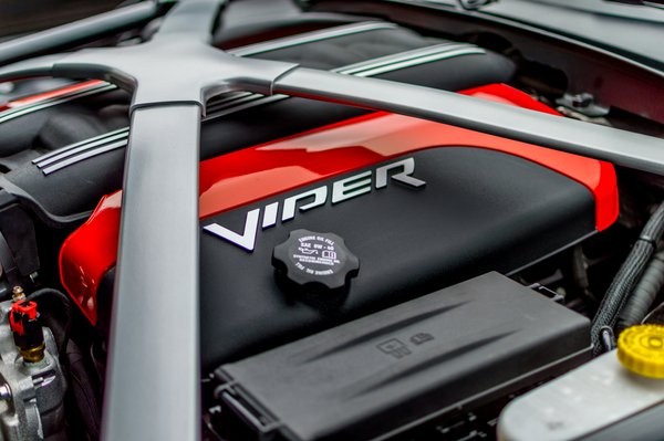 Under The Hood: Dodge Viper thumbnail