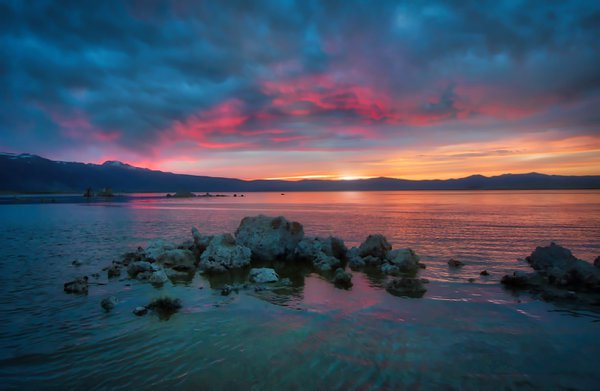 Sunset at Mono Lake Ca.  thumbnail
