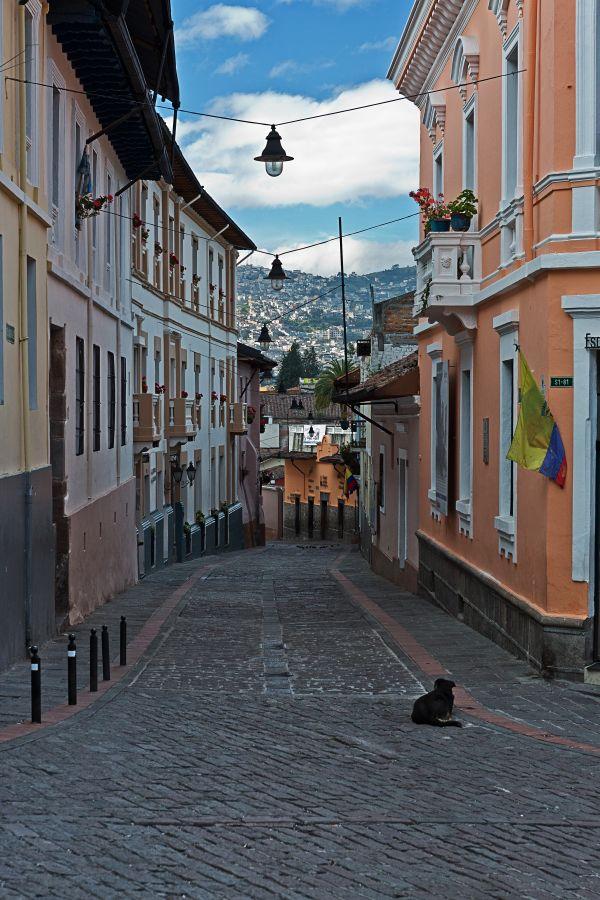 La Ronda Street, Quito, Ecuador thumbnail