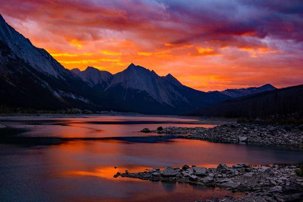 Sunrise Medicine Lake Jasper Park 1 thumbnail