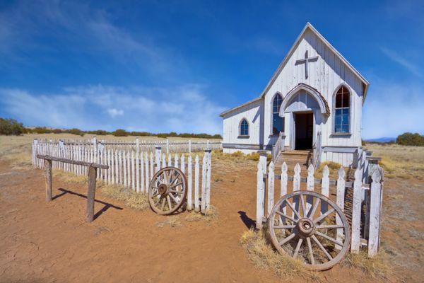 An Abandoned Church thumbnail