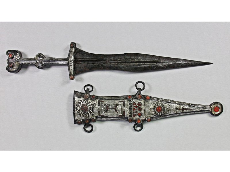 Restored dagger and sheath