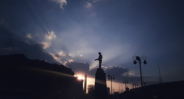 Sunset at AbdelMenem Riyad Square in Cairo thumbnail