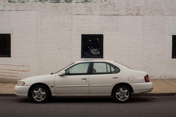 Car in South Philadelphia thumbnail