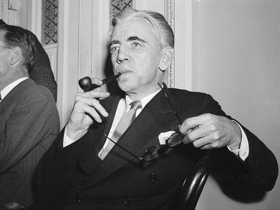 William Dudley Pelley, Silver Shirt leader, pictured as he appeared before Congress.