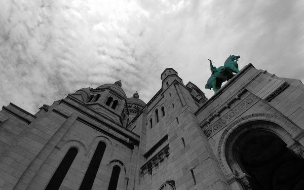 Sacre-Coeur and the Heavens thumbnail