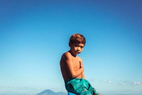 A boy and a mountain thumbnail